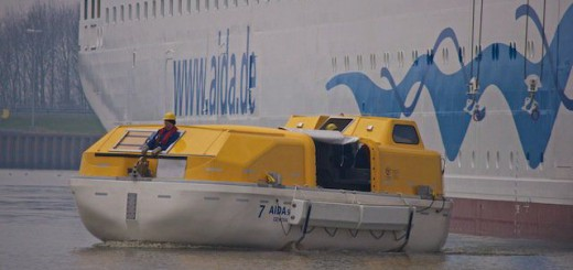 AIDAsol am Ausrüstungskai, Test der Rettungsboote 15