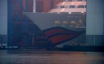 AIDAnova: Ausdocken auf der Meyer Werft