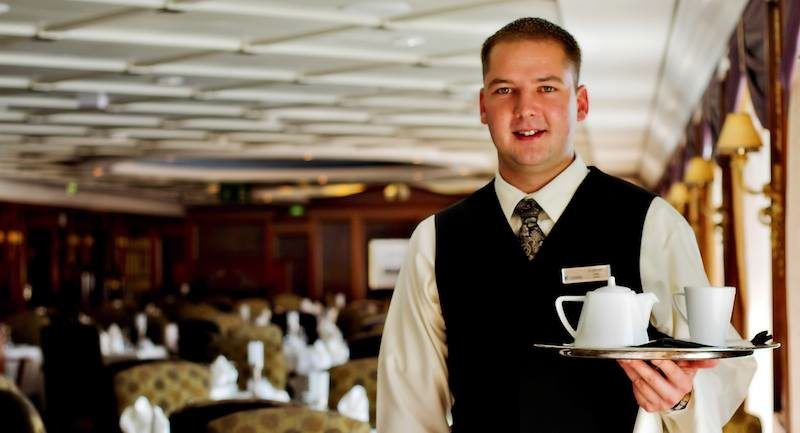 Azamara Service / © Azamara Club Cruises / Royal