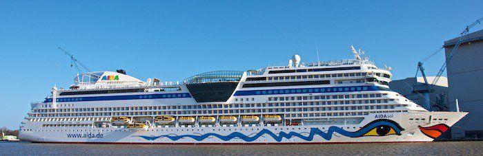AIDAsol im Hafen der Meyer Werft Papenburg (05.03.2011) / © Kalliey