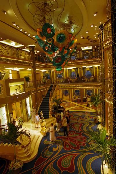 Lobby / © Disney Cruise Line