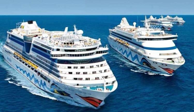 Kussmundflotte / © AIDA Cruises