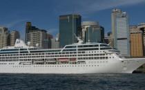 Pacific Princess: Loch im Bug nach Kollision mit Hafenmole