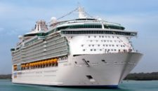 Crewmitglieder von Royal Caribbean wegen Kokain-Schmuggel verhaftet