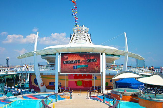 Liberty of the Seas Pooldeck