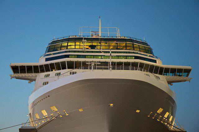 Bildergalerie: Celebrity Silhouette im Werfthafen @ Meyer Werft am Abend 03.06.2011