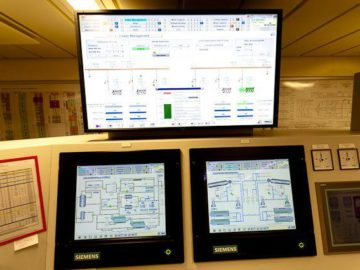 AIDAsol Nordlandkreuzfahrt - Motoren-Kontrollraum