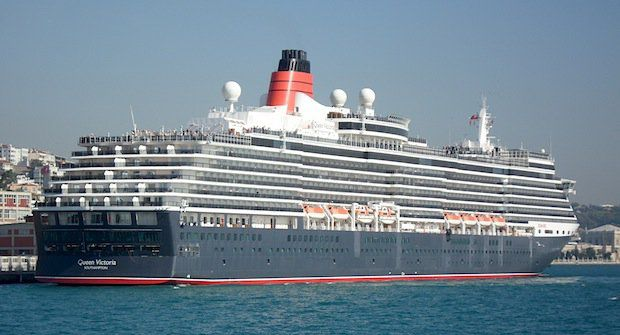 Queen Elizabeth im Hafen