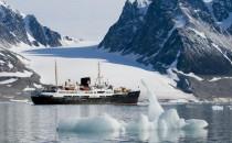 Neue Spitzbergen Expeditionen mit Hurtigruten