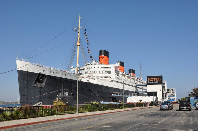 Queen Mary in Long Beach / © Lapie on Flickr