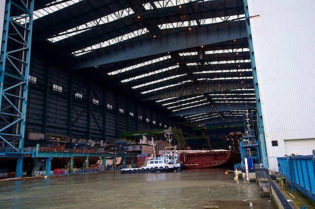Celebrity Reflection Sektionsbauteil im Werftbecken der Meyer Werft