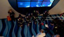 Bilder: Crew Drill auf Mein Schiff 1 von TUI Cruises