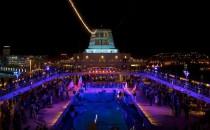 """TUI Cruises führt """"Pooltuch-Karten"""" ein"""