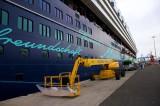 Mein Schiff 1 im Hafen von Las Palmas (1)
