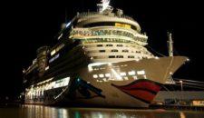 AIDAsol startet Kreuzfahrtsaison in Warnemünde 2012 – Rekordjahr Hafen