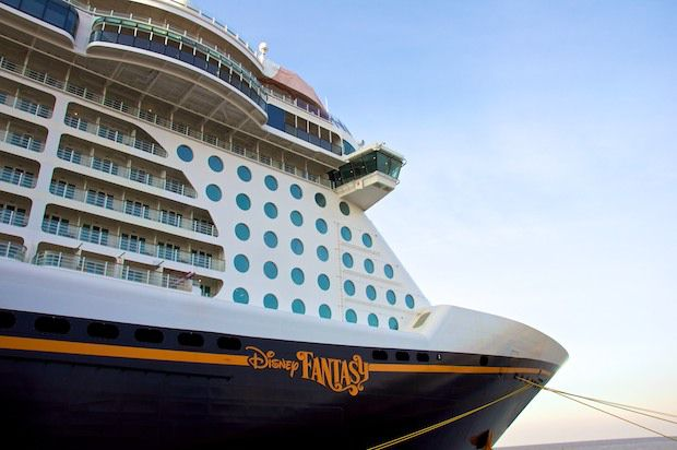 Disney Fantasy: 52 Crewmitglieder in Trinidad per Tender ausgeschifft