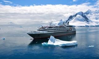 L´Austral: Unglück in der Arktis: 23 Gäste müssen von sinkendem Ausflugsboot gerettet werden