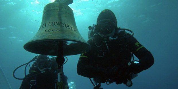Schiffsglocke Costa Concordia / © AFP/ Carabinieri Press Ofice