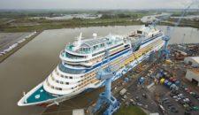AIDAmar hat Dock in Hamburg verlassen