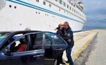 Die indische Eignerfamilie und der Geschäftsführer verlassen die MS Delphin – familiärer Abschied!