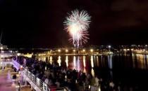Erstes Treffen der Wohlfühlschiffe von TUI Cruises auf Mallorca mit Feuerwerk