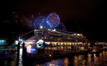 AIDA Hafengeburtstag 2014: AIDA Feuerwerk, Lasershow und AIDA Beachclub