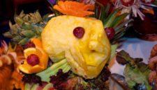 MS Delphin Mitternachts-Gala-Büffet: Eisfiguren und mehr