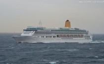 Frisch renoviert: P&O Aurora verlässt Blohm und Voss Werft