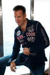 Michael Wendler mit Fans an Bord von MS Artania 7