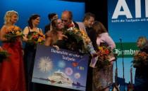 Die Taufpatin von AIDAmar heisst Sissi Kuhlmann und kommt aus Hamburg (Bilder der Entscheidung)