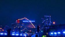 MS Europa drängelte sich bei der Auslaufparade vor: AIDA wohl leicht erbost