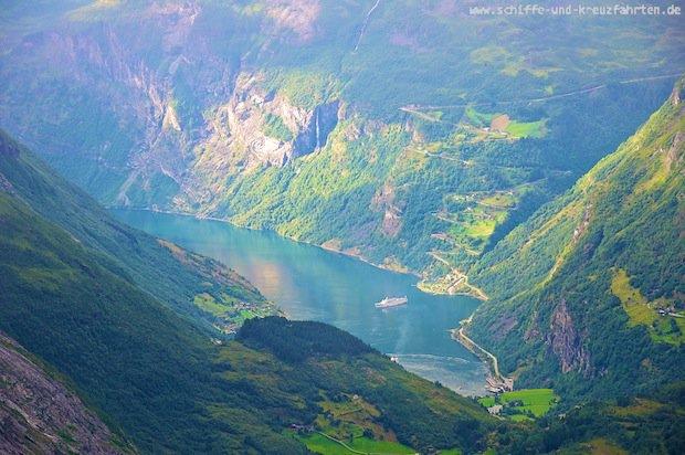 Der Geiranger Fjord vom Berg Dalsnibba fotografiert