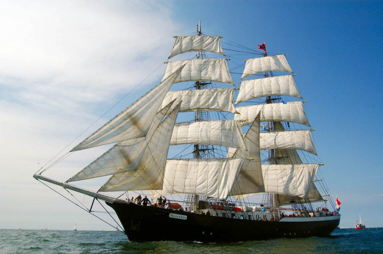 Mercedes - Segelschiff