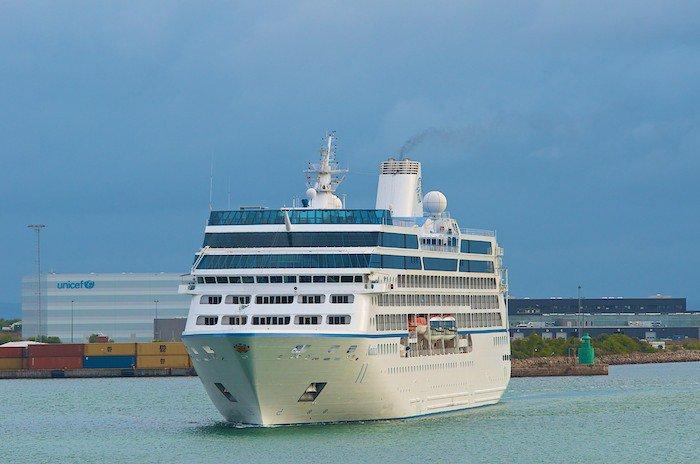 Oceania Nautica beim Einlaufen in Kopenhagen