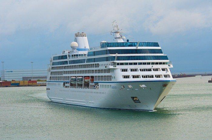 Oceania Nautica, eines von vier R-Klasse Schiffen von Oceania Cruises