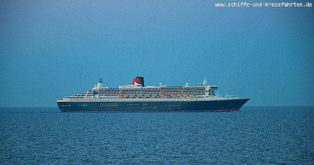 Queen Mary 2 auf hoher See