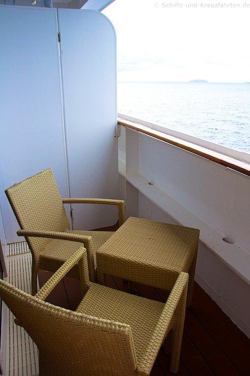 msc fantasia balkonkabine 9018 kategorie 7. Black Bedroom Furniture Sets. Home Design Ideas