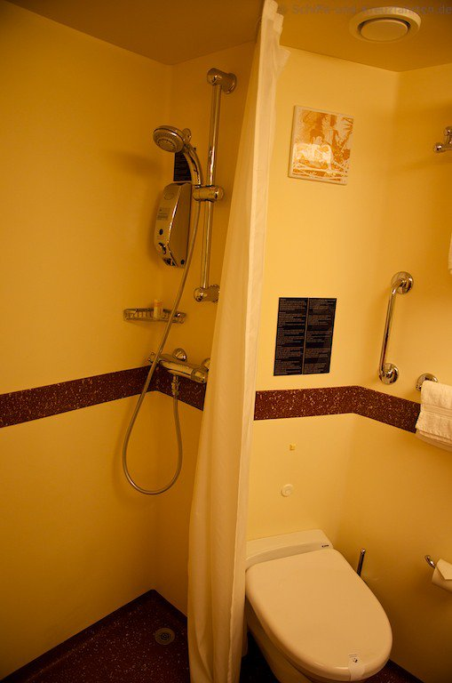 costa fascinosa balkonkabine 8410. Black Bedroom Furniture Sets. Home Design Ideas