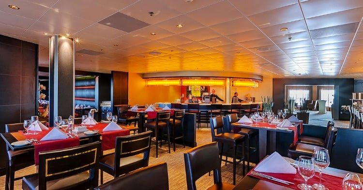 Mein Schiff 1 Surf & Turf Steakhouse © TUI Cruises