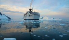 Die lange Welle hinterm Kiel: MS Delphin im TV