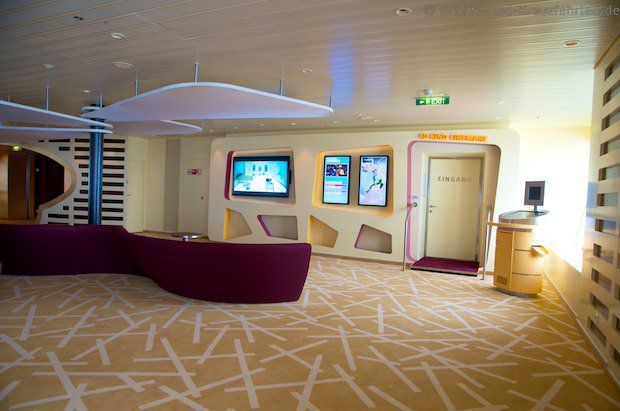 AIDAstella Lounge vor dem 4D-Kino