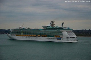 Independence of the Seas beim Auslaufen aus Southampton