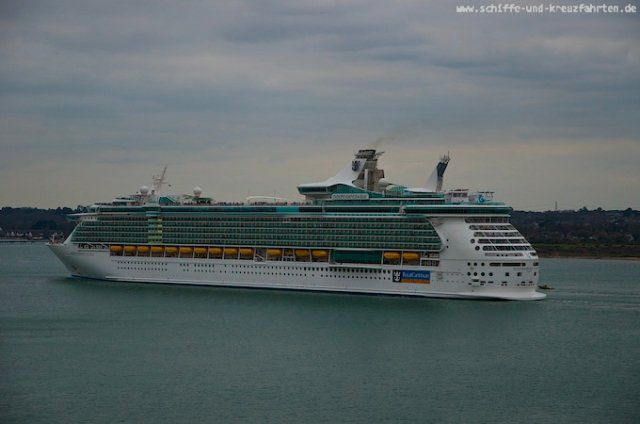 Independence of the Seas beim Auslaufen aus Southampton