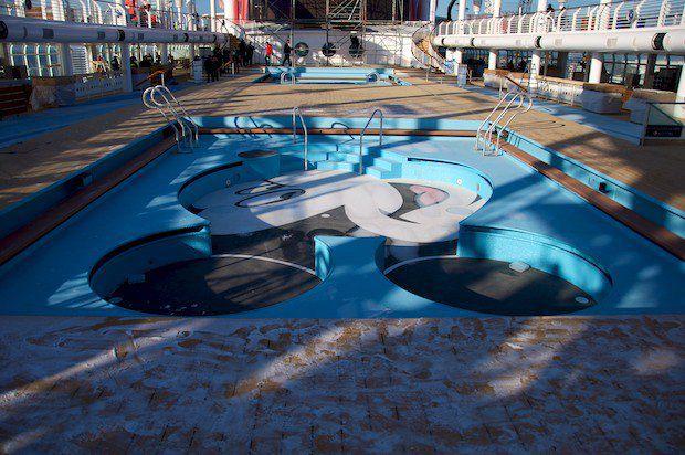 Disney Fantasy - Mickey Mouse Pool