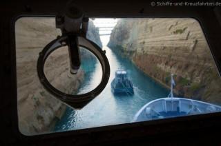 MS Berlin im Korinth-Kanal