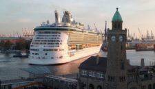 Ausdocken der Independence of the Seas bei Blohm und Voss