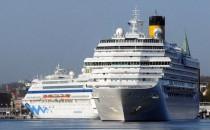 Costa Pacifica rettet Schiffbrüchige