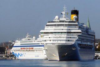 Costa Pacifica und AIDAcara in Kiel / © AIDA Cruises