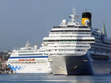 Costa Pacifica und AIDAcara in Kiel / © AIDA Cruises