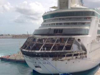 Verbrannte Grandeur of the Seas nach Feuer / © CNN